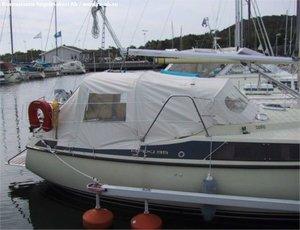 Maxi 95 cockpit tent